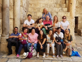 Young volunteers at the service of hope in the Holy Land